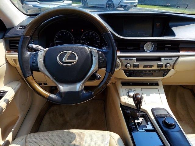 Lexus ES 350 2015 price $23,900