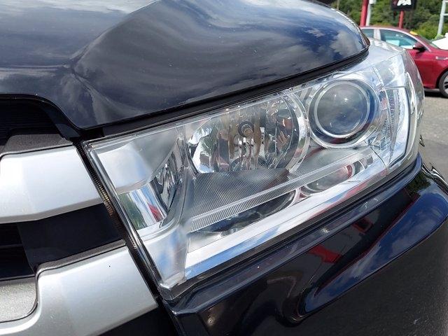 Toyota Highlander 2018 price $32,900
