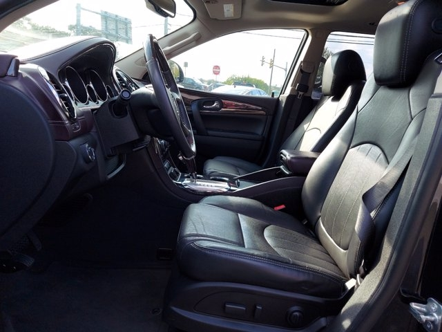Buick Enclave 2017 price $32,900