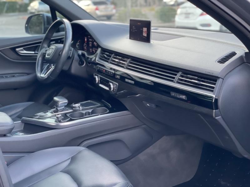 Audi Q7 2017 price $32,995