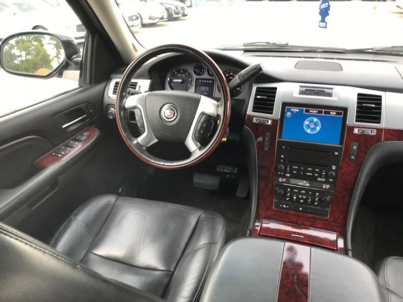 Cadillac Escalade 2007 price $16,890