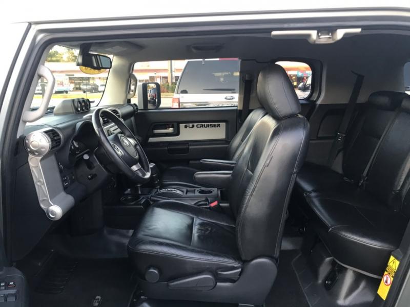 Toyota FJ Cruiser 2010 price $23,890