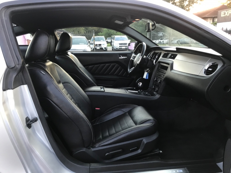 Ford Mustang 2011 price $18,299