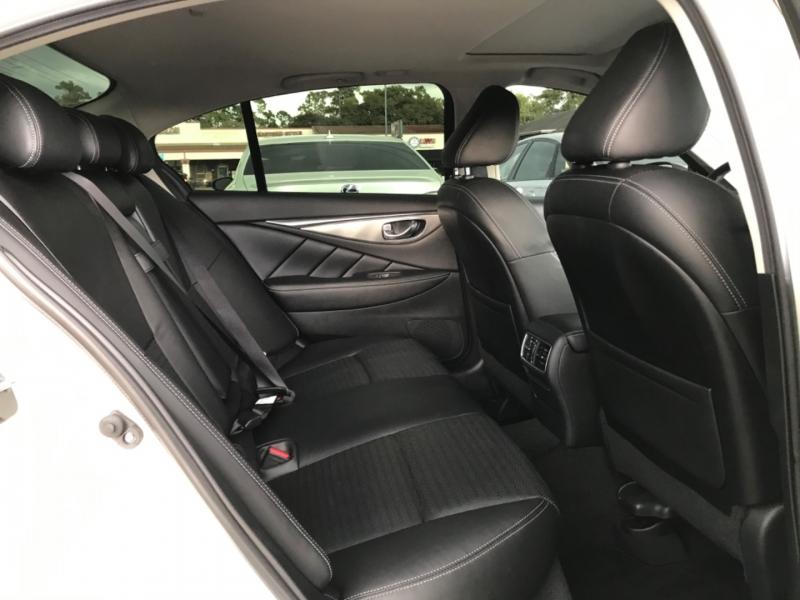 Infiniti Q50 2018 price $27,299