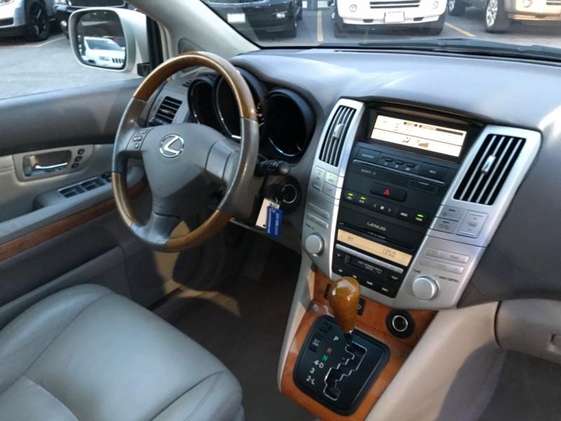Lexus RX 330 2006 price $9,890