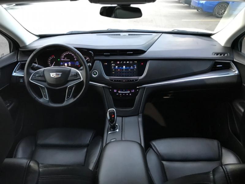 Cadillac XT5 2017 price $24,890