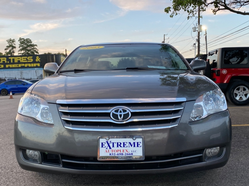 Toyota Avalon 2005 price $8,300