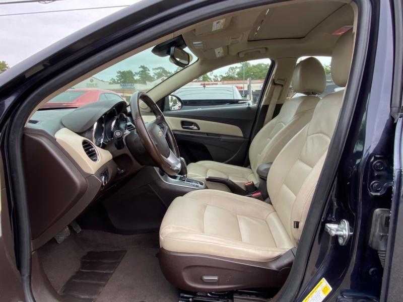 Chevrolet Cruze 2015 price $8,890