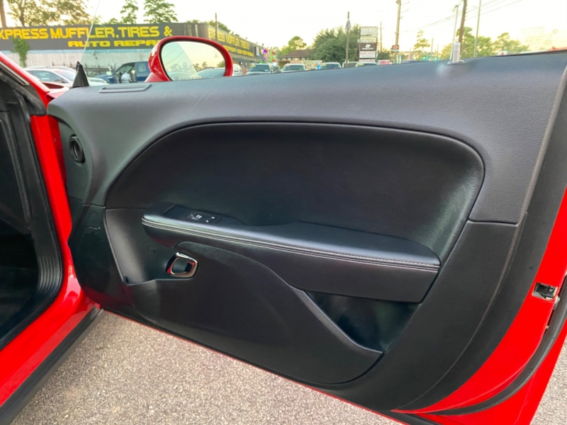 Dodge Challenger 2017 price $47,890