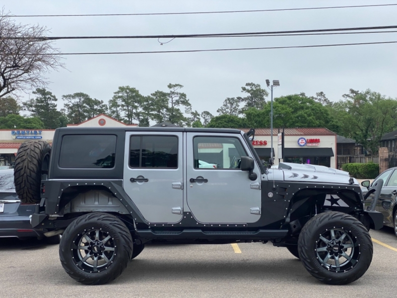Jeep Wrangler Unlimited 2015 price $36,890