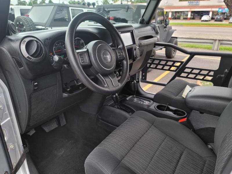 Jeep Wrangler Unlimited 2012 price $27,890