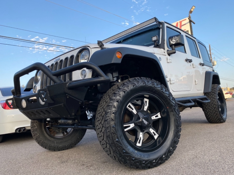 Jeep Wrangler Unlimited 2016 price $27,890