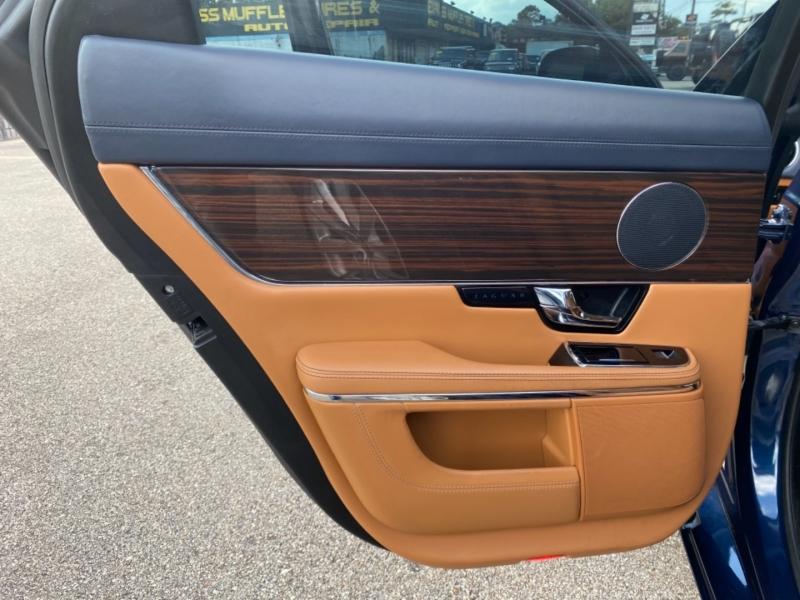 Jaguar XJ 2011 price $22,890