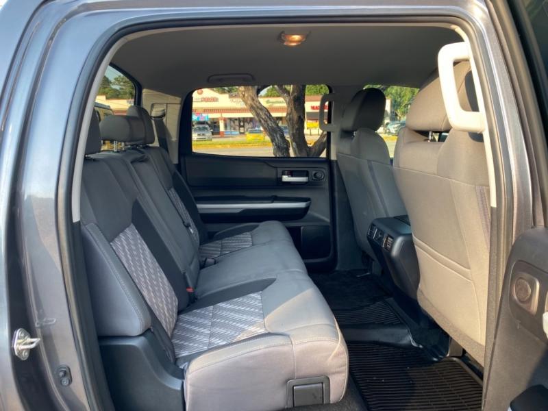 Toyota Tundra 2018 price $33,890