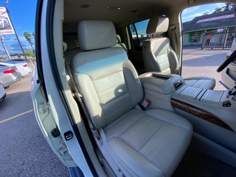 GMC Yukon XL 2015 price $39,890