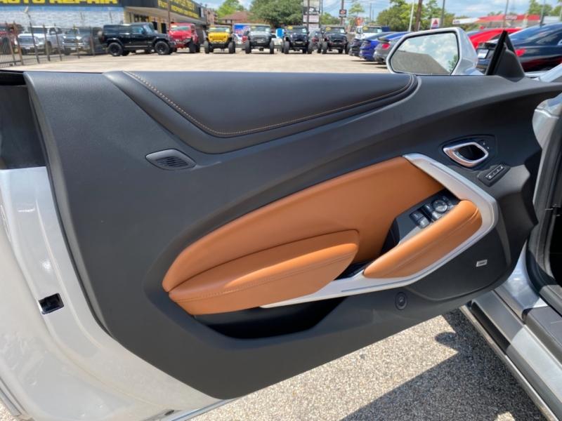 Chevrolet Camaro 2017 price $36,890