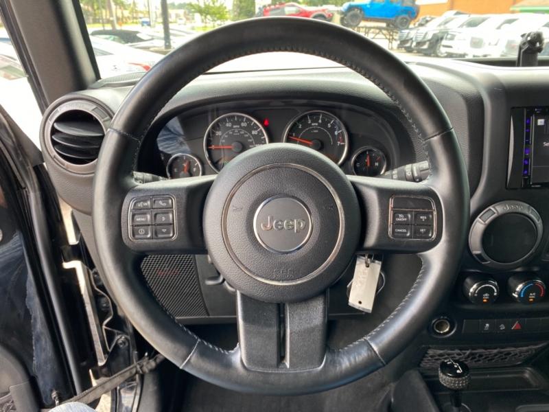 Jeep Wrangler Unlimited 2015 price $32,890