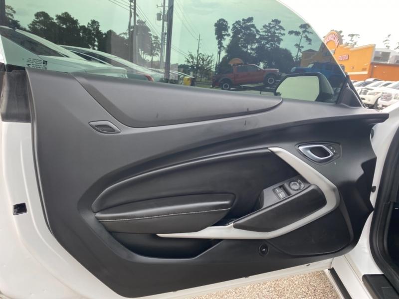 Chevrolet Camaro 2018 price $40,890