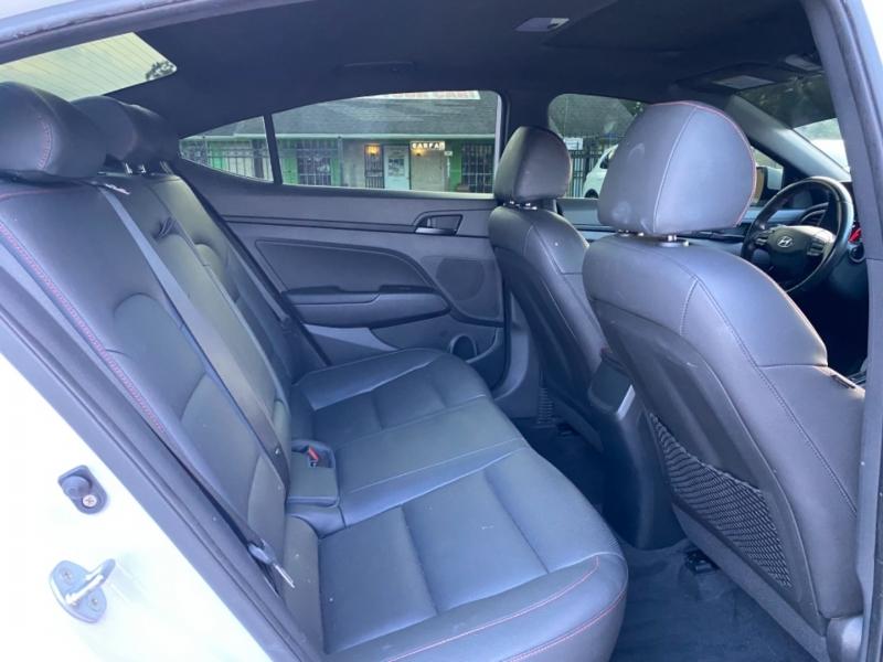 Hyundai Elantra 2018 price $17,890