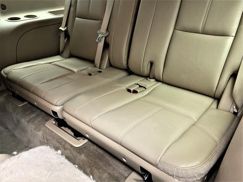 Chevrolet Suburban 2013 price $20,795