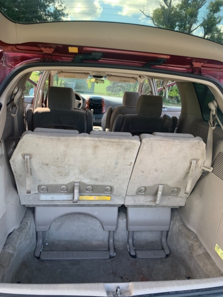 Toyota Sienna 2006 price $3,280