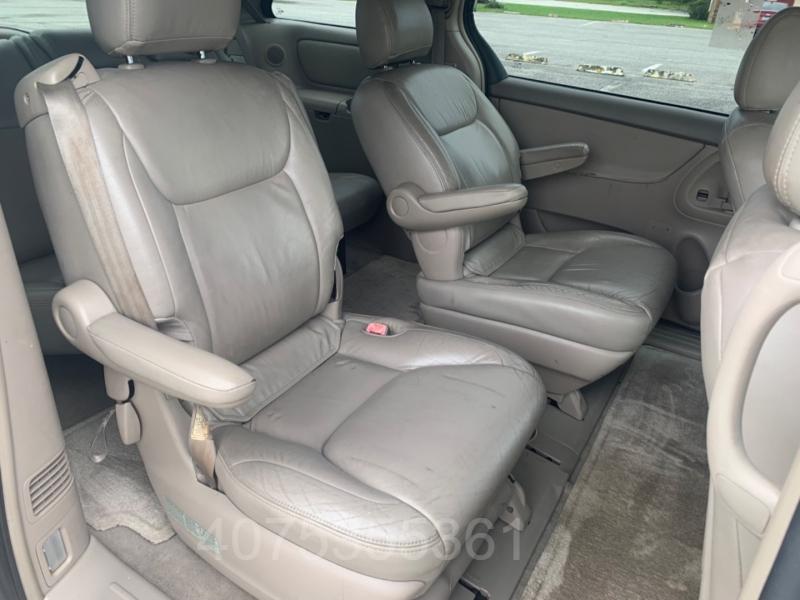 Toyota Sienna 2004 price $4,600