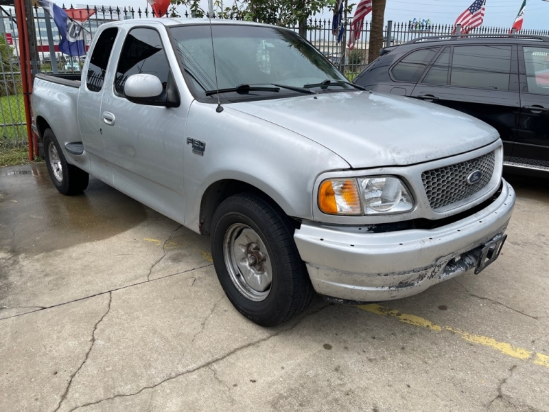 FORD F150 2002 price $1,500 Down