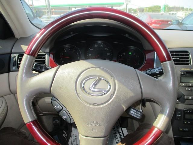 LEXUS ES330 2004 price $9,495
