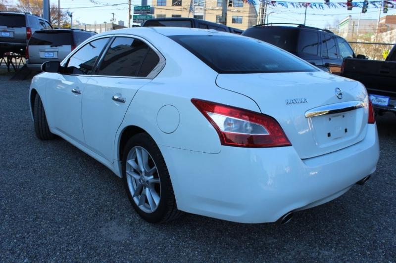NISSAN MAXIMA 2011 price $10,999