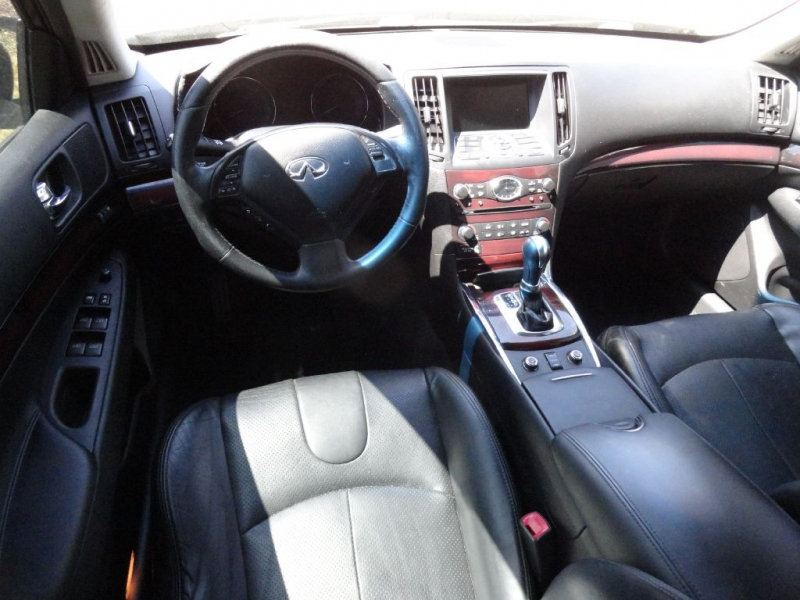 INFINITI G37 2012 price $10,995