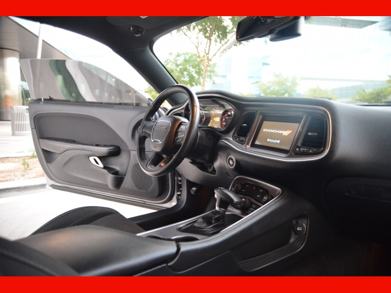 Dodge Challenger 2018 price $26,555