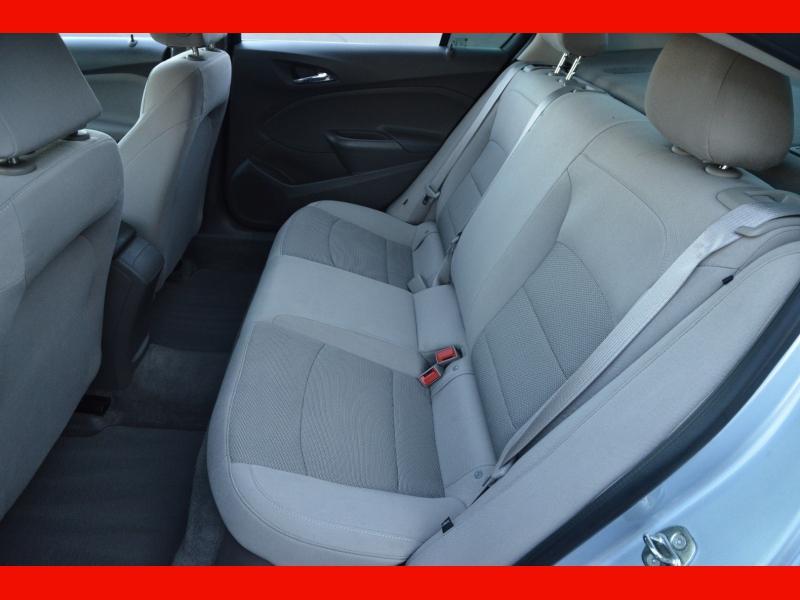 Chevrolet Cruze 2018 price $11,888
