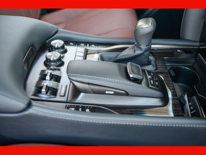 Lexus LX 570 2021 price $105,888
