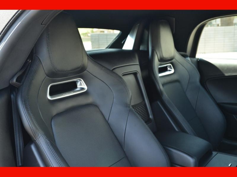 Jaguar F-TYPE 2019 price $69,988