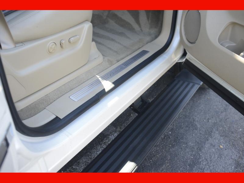 Cadillac Escalade 2011 price $38,998