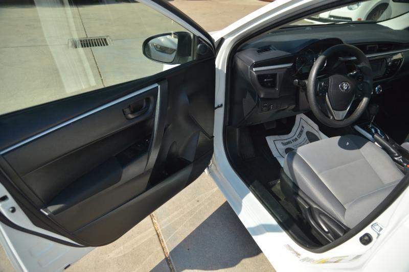 Toyota Corolla 2016 price $15,988