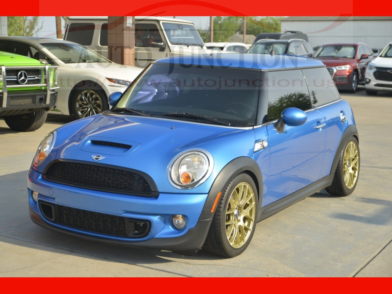 Mini Cooper Hardtop 2012 price $11,888
