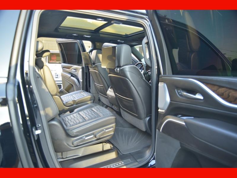 Cadillac Escalade ESV 2021 price $121,988