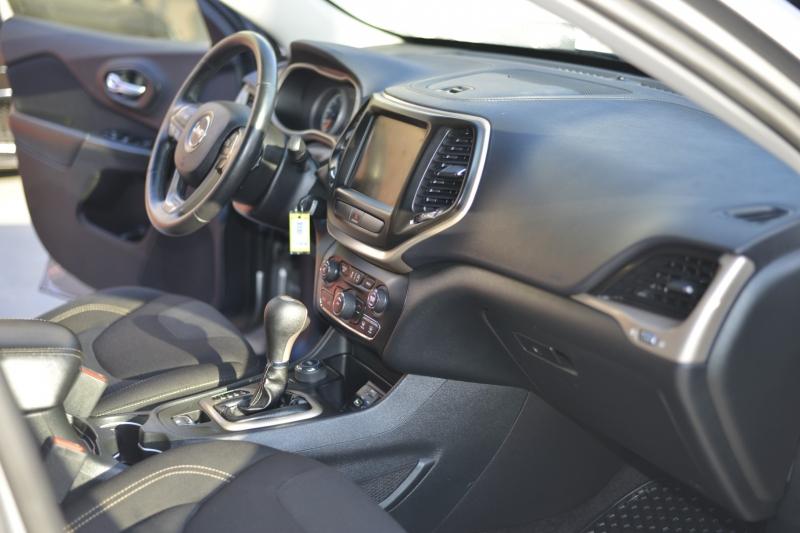 Jeep Cherokee 2016 price $18,444