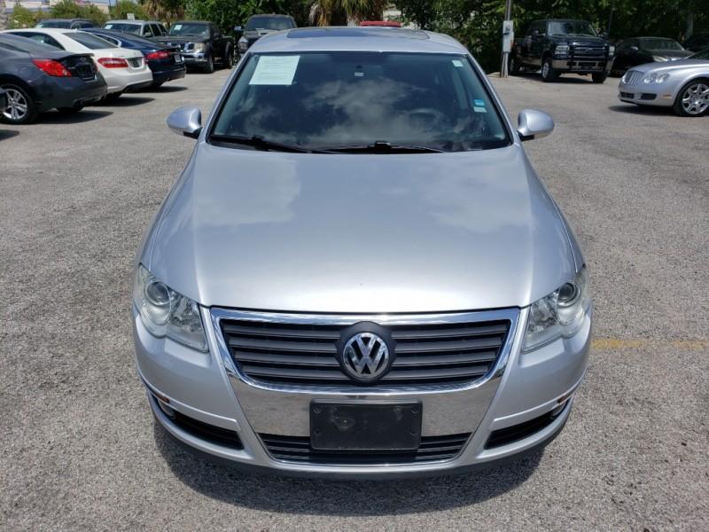 Volkswagen Passat Sedan 2010 price $5,977 Cash