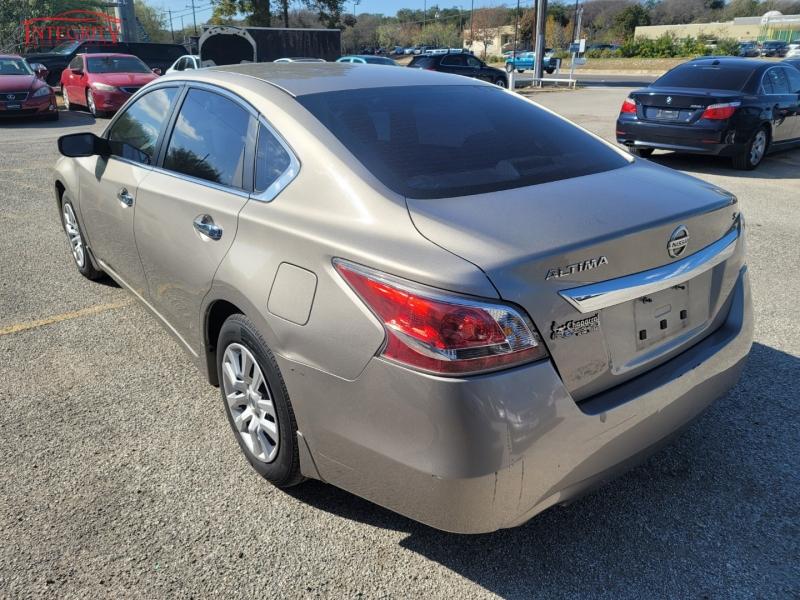 Nissan Altima 2015 price $7,997 Cash