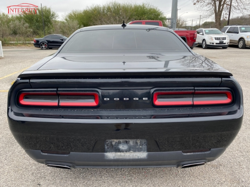 Dodge Challenger 2015 price $16,997 Cash