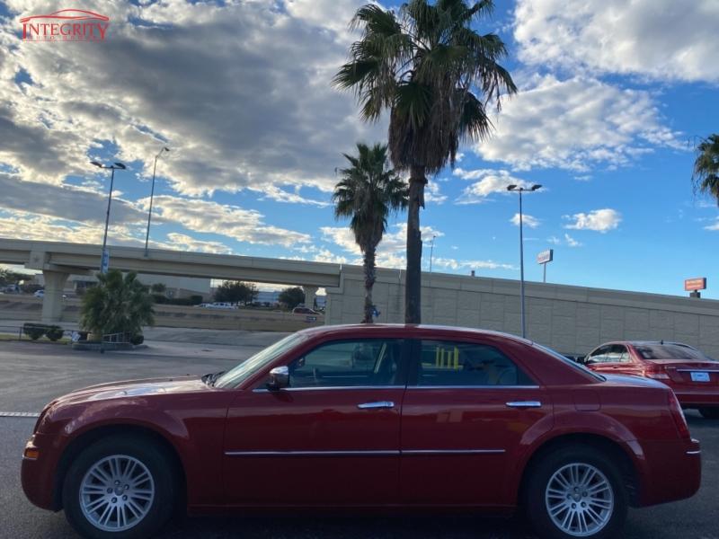 Chrysler 300 2010 price $9,977