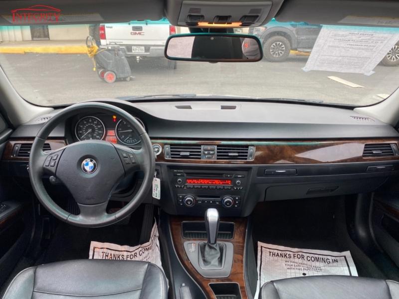 BMW 3-Series 2011 price $10,997