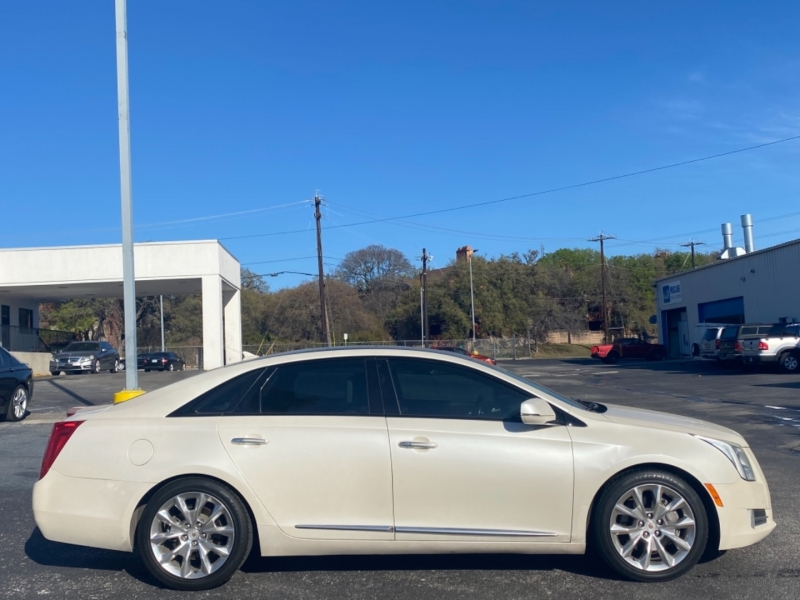 Cadillac XTS 2013 price $12,977
