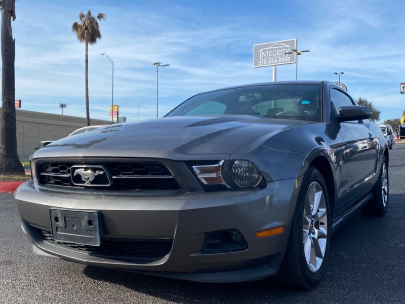 Ford Mustang 2011 price $10,997