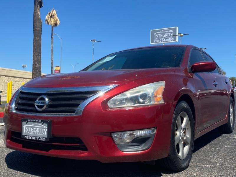 Nissan Altima 2013 price $9,977