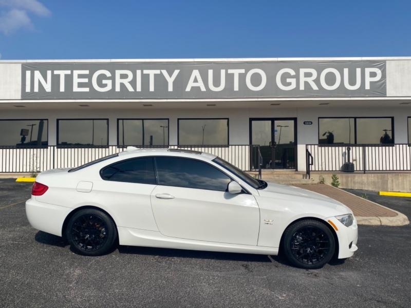 BMW 3-Series 2012 price $14,477