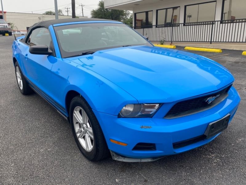 Ford Mustang 2010 price $9,977