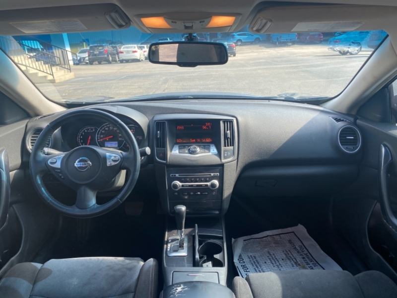 Nissan Maxima 2012 price $9,977